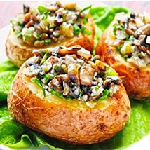 Печеная картошка с маринованными опятами